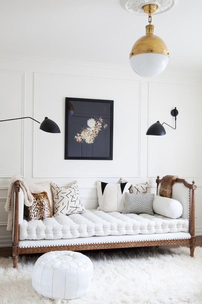 Štukature klasične bele stenske